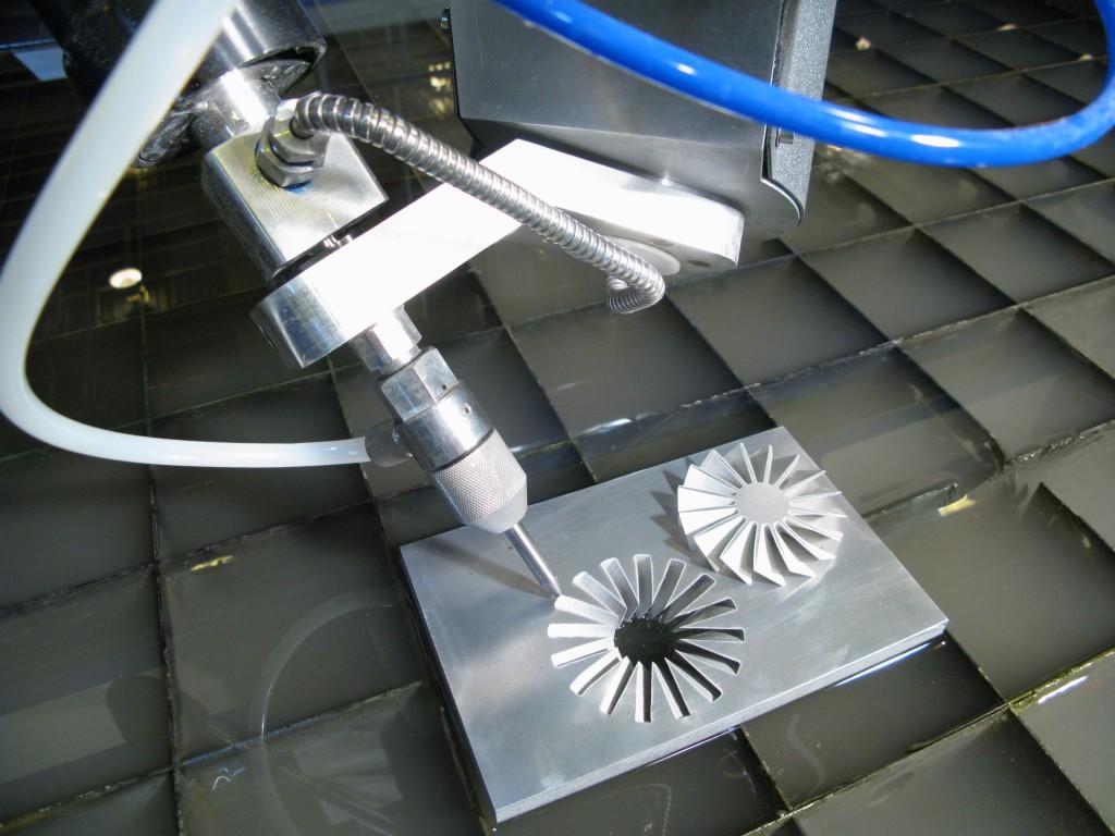 5-Axis-Waterjet-Cutting-Head